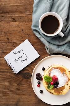Dulce sorpresa y café para padre