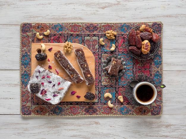 Dulces caseros árabes. mermelada de dátiles.