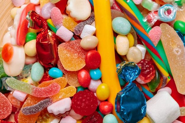 Dulces de diferentes frutas de colores