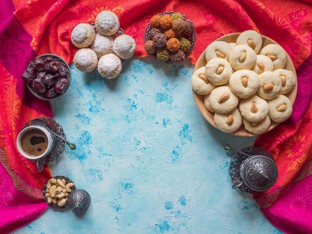 Dulces de ghorayeba. eid come. galletas de la fiesta islámica de el fitr.