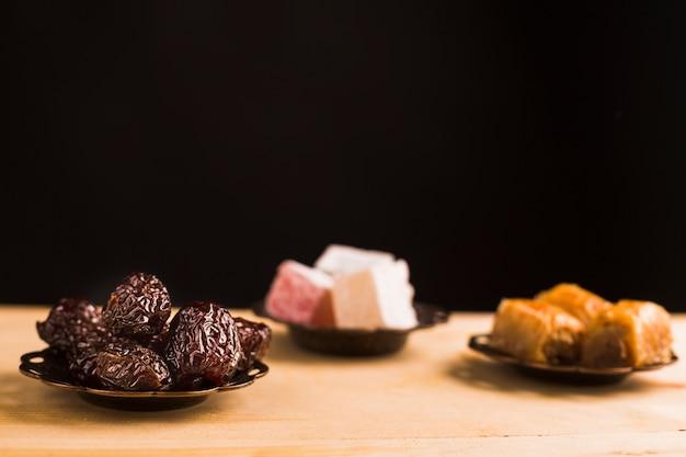 Dulces turcos en mesa