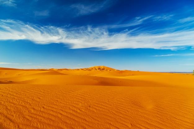 Dunas de arena del desierto del sahara.