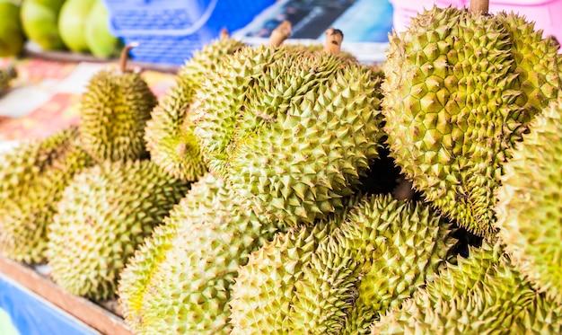 Durian en el mercado.