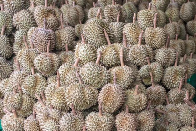 Durian, el rey de las frutas en el mercado de tailandia.