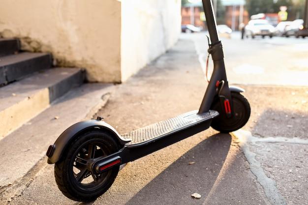 Eco amigable transporte electro scooter transporte en ciudad