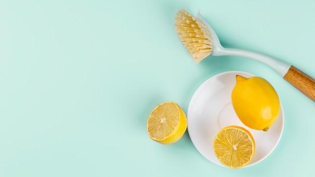 Eco limpieza mitades de vista superior de limón