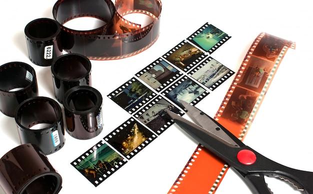 Edición de video de película negativa y positiva aislada en espacio en blanco