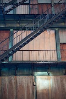 Edificio abandonado en boston, massachusetts, ee.uu.