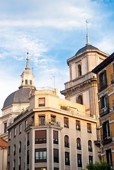 Edificio antiguo en madrid.