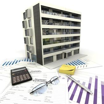Edificio de apartamentos encima de una mesa con formulario de solicitud de hipoteca, calculadora, planos, etc.