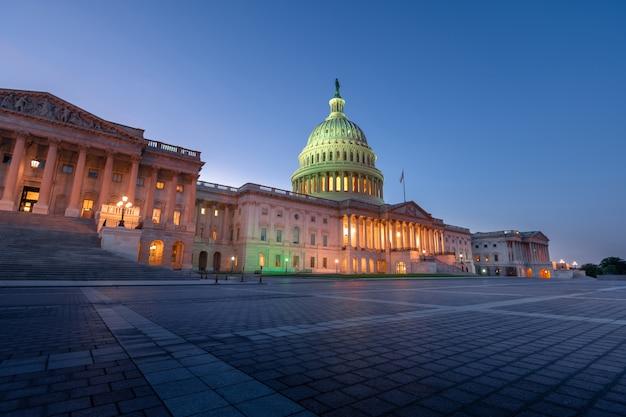 El edificio del capitolio de los estados unidos en washington dc, estados unidos de américa