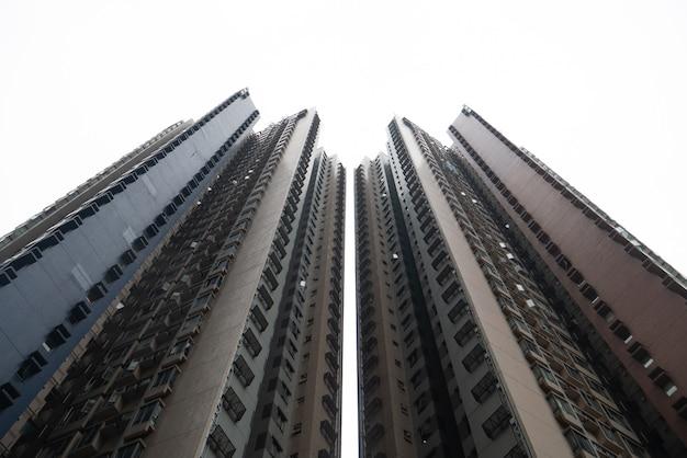 Edificio céntrico abstracto residencia condominio apartamento rascacielos