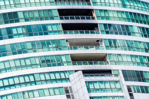 Edificio gigante de cristal