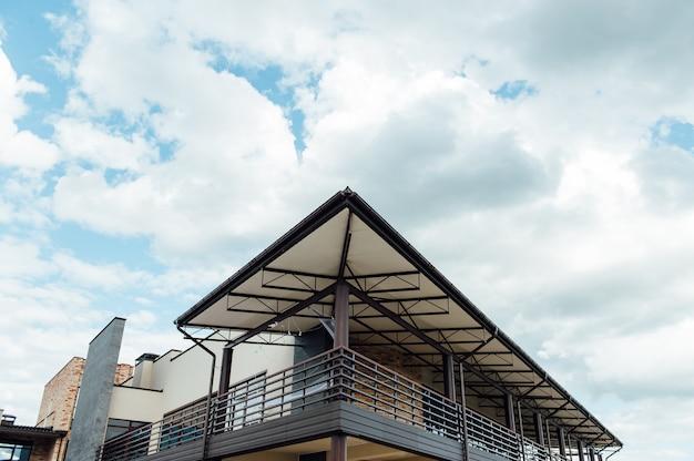 Edificio moderno de un centro de negocios.