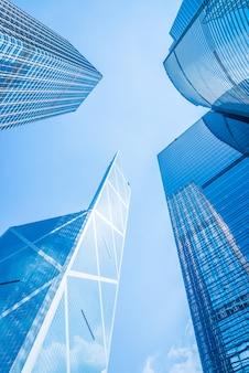 Edificio de rascacielos de negocios en la ciudad de hong kong