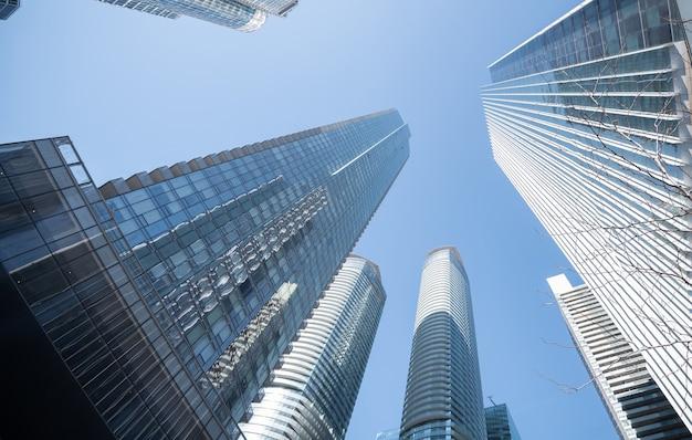 Edificios modernos en la ciudad de toronto, canadá