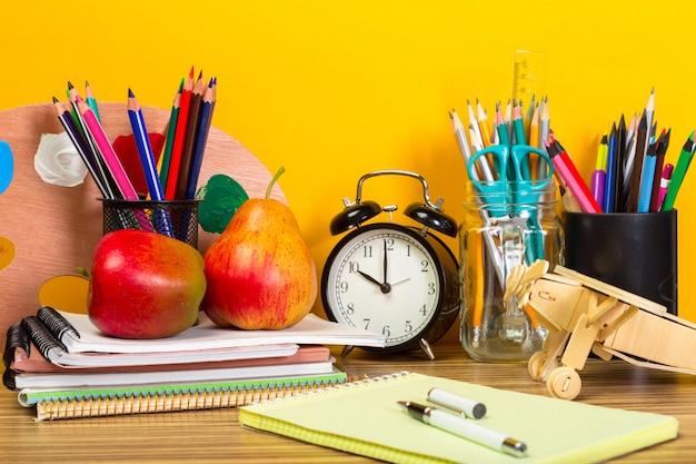 Educación o regreso al concepto de la escuela.