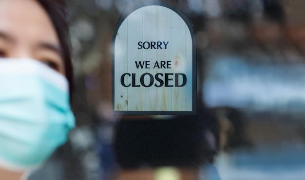 El efecto de la pandemia de covid-19 en los negocios globales Foto Premium