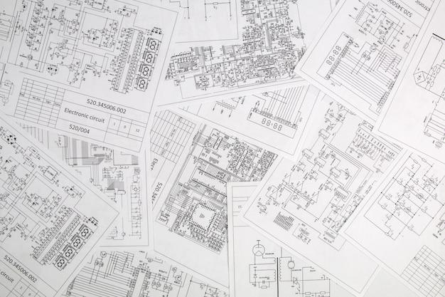 Electrónica e ingeniería. dibujos impresos de circuitos eléctricos.