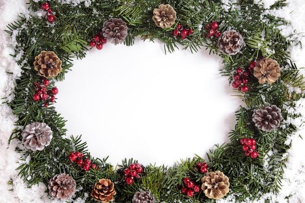 Elegante corona de navidad
