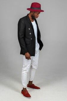 Elegante hombre negro afroamericano
