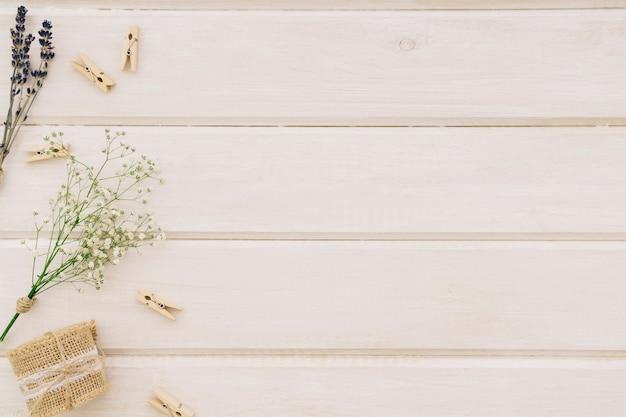 Elementos de boda con estilo y espacio para copiar