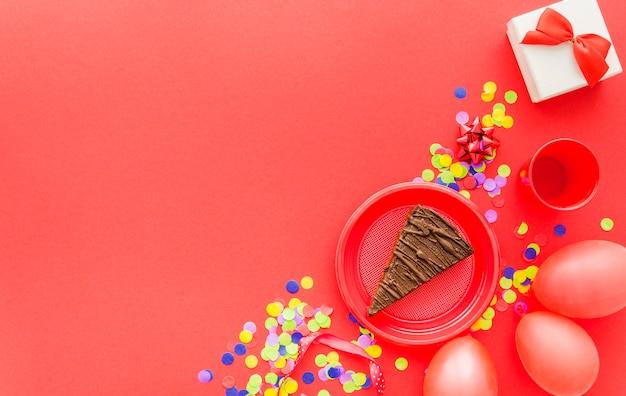Elementos coloridos decorativos de cumpleaños
