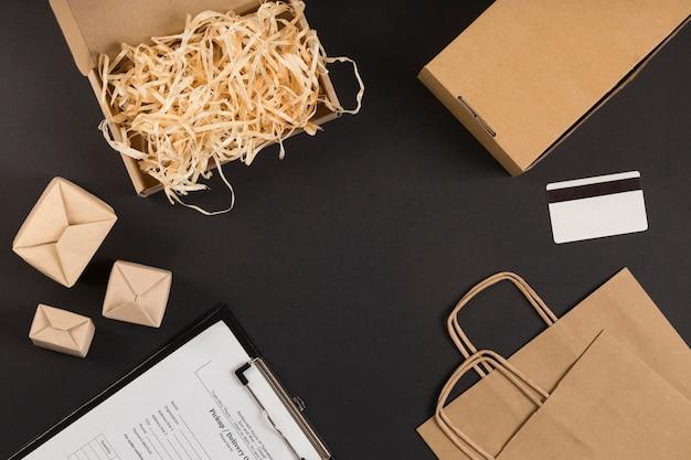 Elementos de compras de cyber monday de vista superior