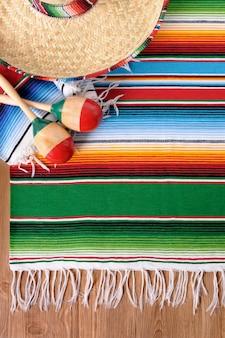 Elementos mexicanos sobre el suelo