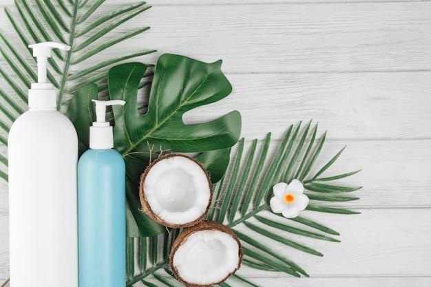 Elementos naturales de spa con crema de belleza