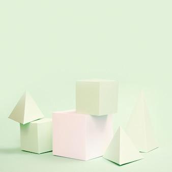 Elementos de papel geométricos con espacio de copia.