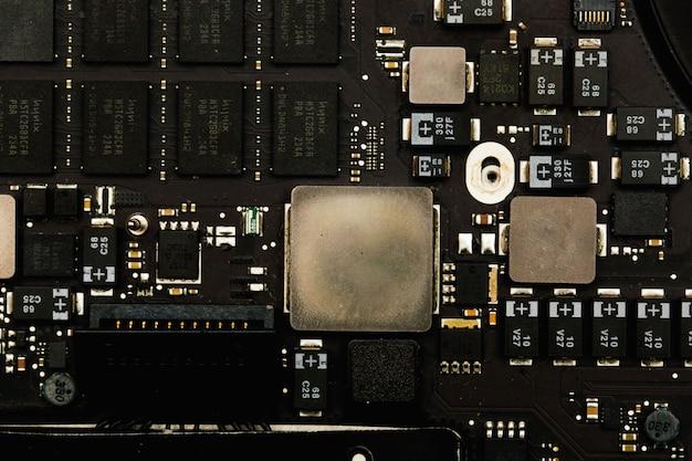 Elementos tecnológicos pequeños