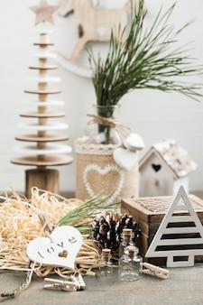 Embalaje de regalo de navidad, juguetes vintage de madera
