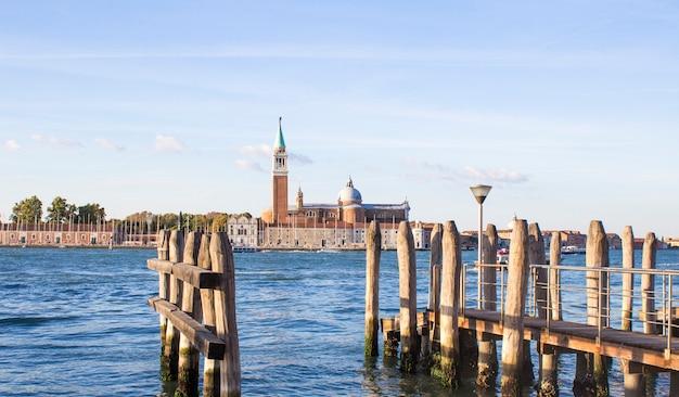 Embarcadero en venecia