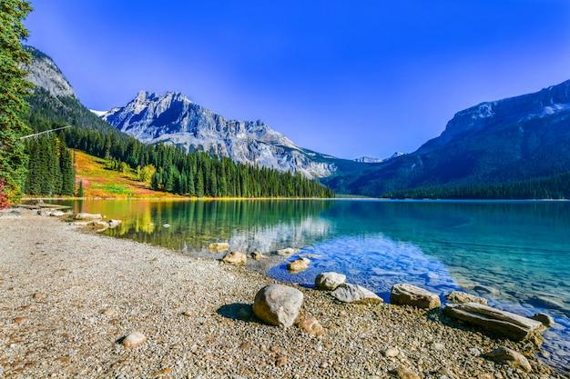 Emerald lake, parque nacional yoho en canadá