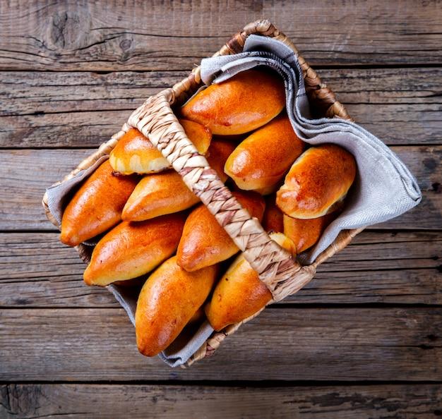 Empanadas en la canasta.