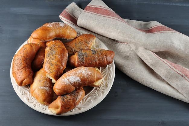 Empanadas con semillas de amapola y vainilla en polvo