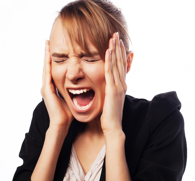 Empresaria grita enojada