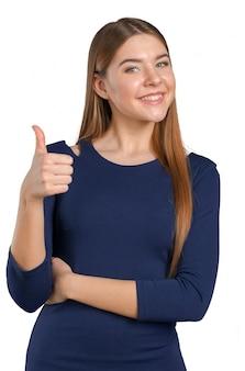 La empresaria sonriente feliz con los pulgares sube gesto