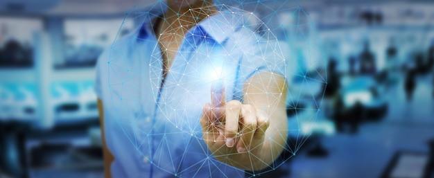 Empresaria usando red de datos