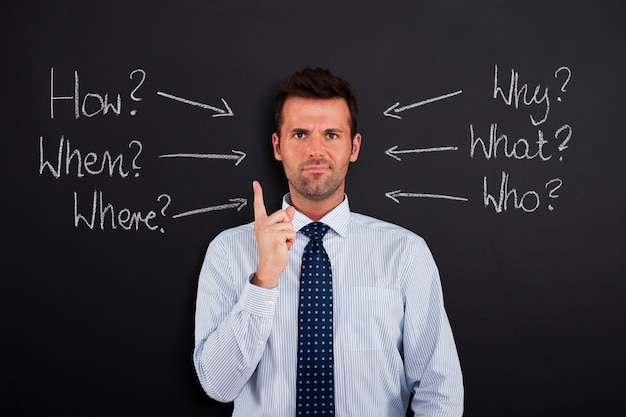 Empresario bajo estrés y presión