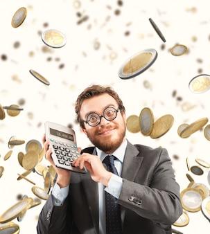 Empresario financiero asombrado por la riqueza y el éxito