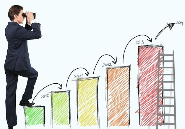 Empresario mirando con binoculares subiendo gráfico dibujado a mano