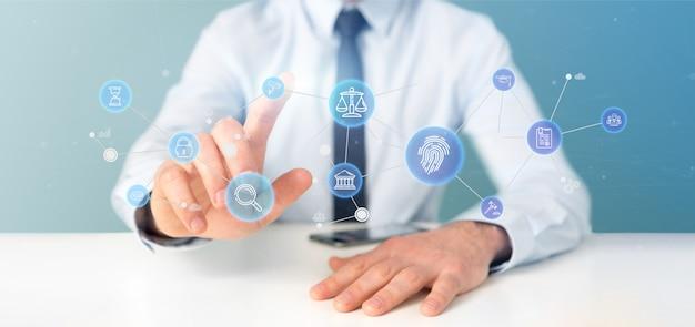 Empresario sosteniendo una burbuja de icono de la ley y la justicia con representación 3d de datos