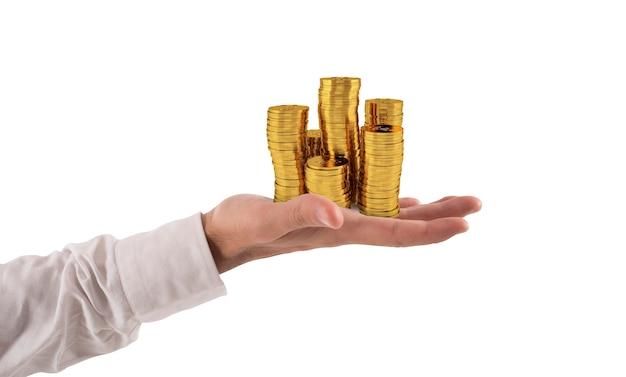 El empresario tiene montones de dinero en oro concepto de éxito y crecimiento de la empresa