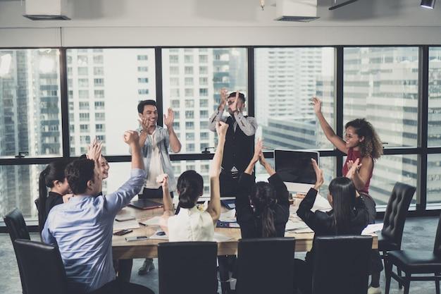 Empresarios y empresarios exitosos.