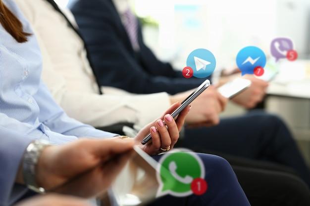 Empresarios del grupo tienen dispositivo móvil