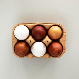 Encofrado de vista superior con huevos
