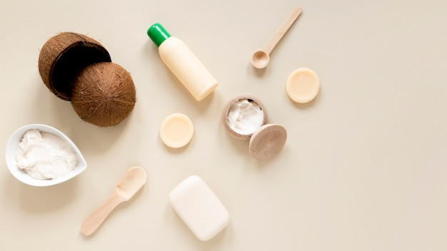 Endecha plana del concepto de cosmética natural