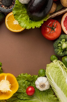 Endecha plana de verduras con espacio de copia